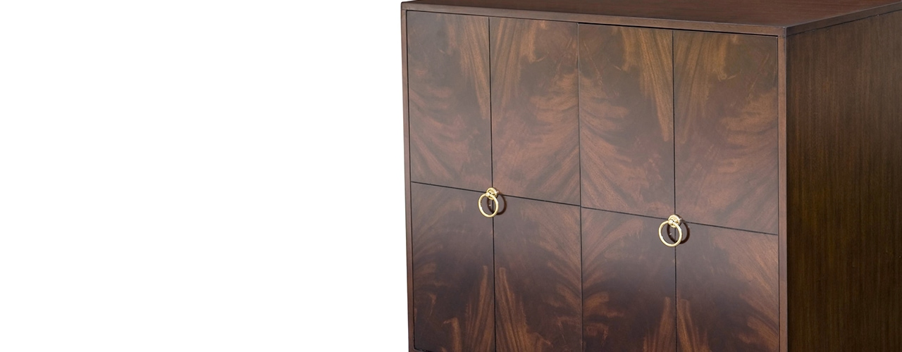 Cabinet with a premium veneer